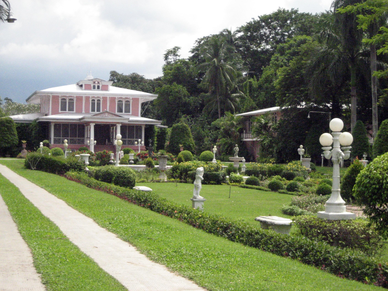 Villa Escudero Lifeisacelebration